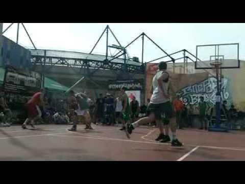 Стрітбол - відео з майданчиків