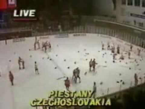 Самая знаменитая драка за всю историю хокея