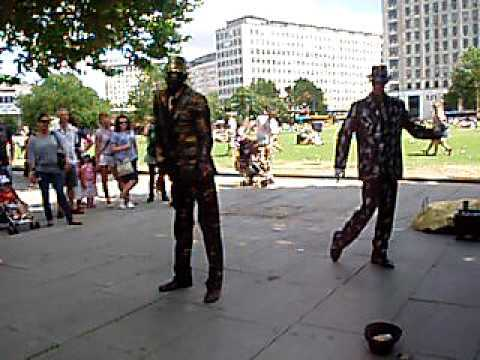 Street Performers in London
