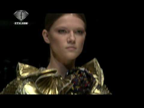 FashionTV | FTV.com -  Dolce & Gabbana Fashion Show 2009