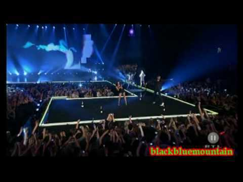 Dan Balan - Chica bomb (live 2010)