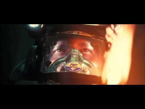 Трейлер к фильму «Пиранья 3D» (2010)
